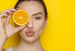 オレンジと唾液